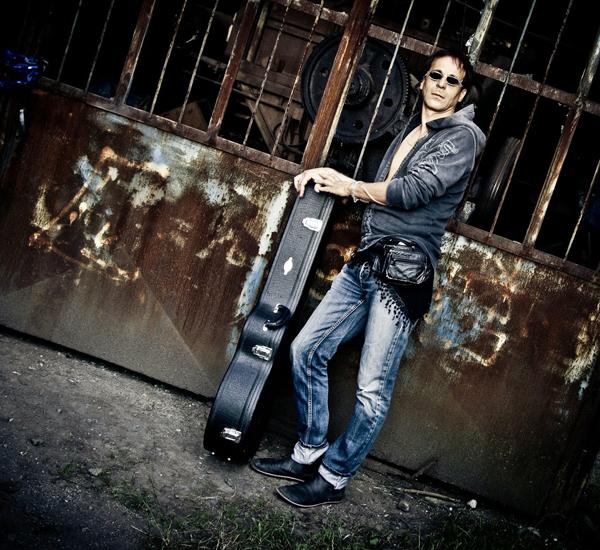 MASSIMO PRIVIERO + LONE GUITAR WOLF BAND