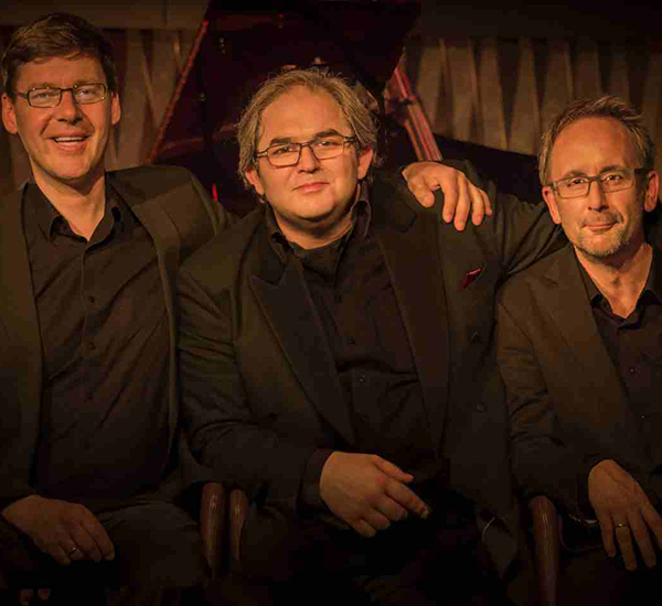 DAVID GAZAROV TRIO e SANDRO ROY